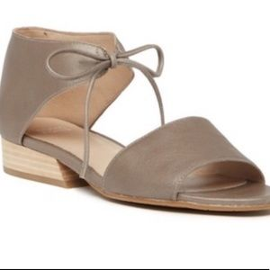 Eileen Fisher | Tan leather sandals with tie